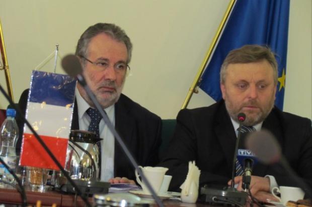 Polska-Francja: dyskusja trwa