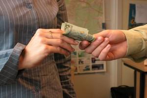 ARiMR każe rolnikom zwrócić przyznane pieniądze