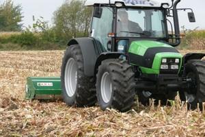 Resztki pożniwne po kukurydzy
