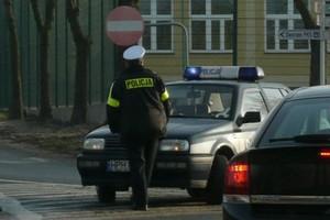 Traktorem szarżował w policjantów
