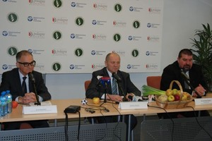 Polagra: Minister o ziemi i finansach