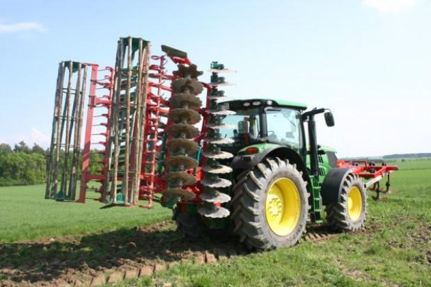 6 hektarów na godzinę - test brony talerzowej Agro-Masz BT50H