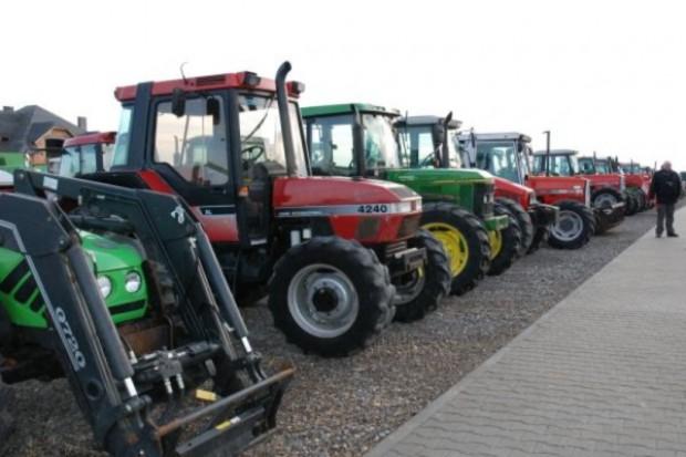 Czyść maszyny zanim wjedziesz na pole