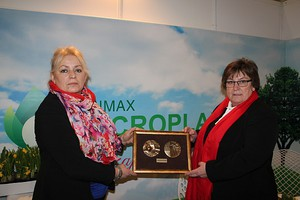 Olimax NT ma medal za preparat Microplan Rzepak