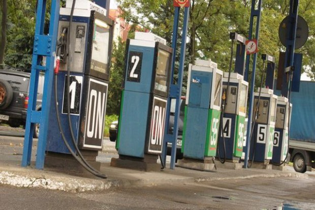 Korekta na rynku paliw trwa