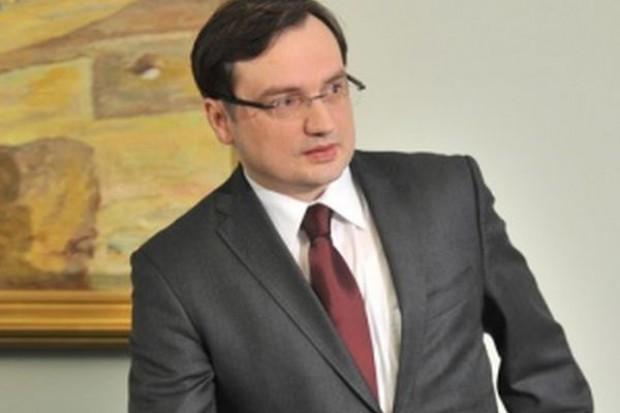 Ziobro: Premier powinien zlecić ABW sprawę niskich cen zbóż i rzepaku