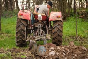 Zarzuty ws. wpływania na wyniki przetargów na sprzedaż ziemi