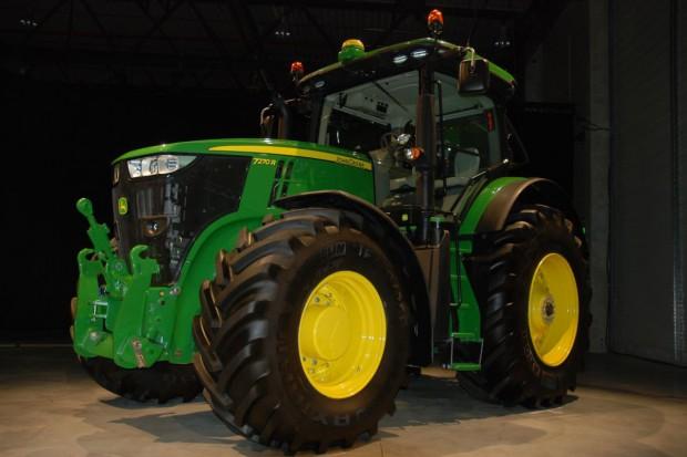 John Deere przedstawił nowe modele seri 7R