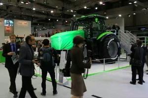 Agritechnica show, zobaczyli serię 9 i 11 traktorów Deutz-Fahr