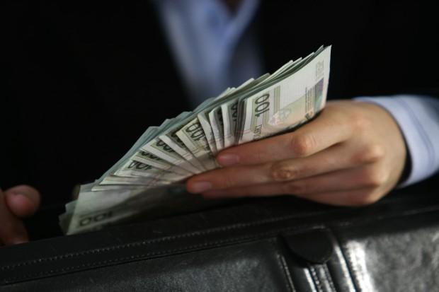 780 tys. dla kolegi z kasy ARR