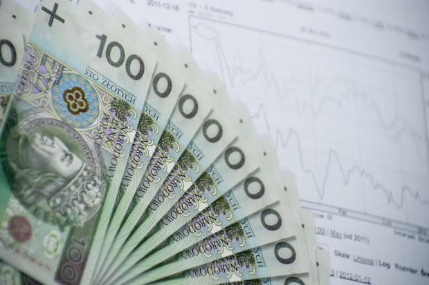 Emeryci i renciści opłacają podatek dochodowy