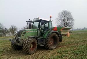 Niedobór wody utrudnia rozkład nawozów w glebie
