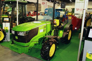 John Deere 5085 GL – premiera na Agrotechu