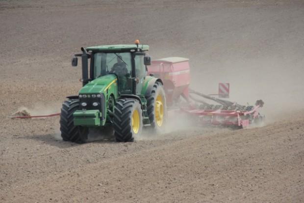 Senat: bez poprawek do noweli o ochronie gruntów rolnych i leśnych