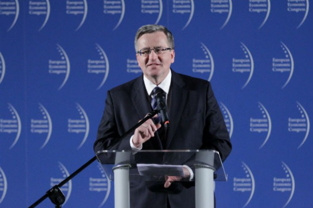 Prezydent Bronisław Komorowski promował w Ostrowie Wlkp. polskie jabłka