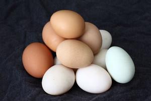 Producenci drobiu i pasz przeciw sprzedaży nieoznakowanych jaj