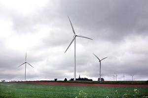 Farma wiatrowa 2 km od zabudowań
