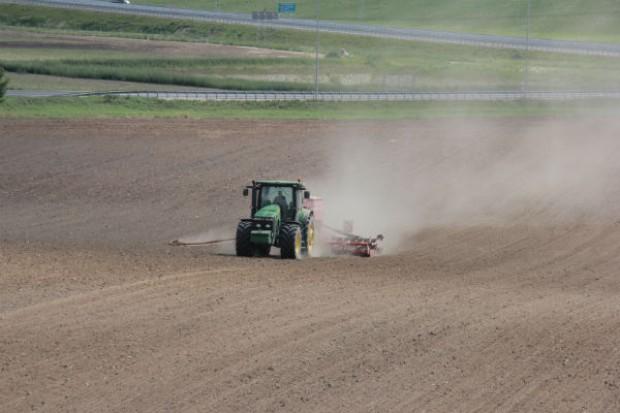 Ważą się losy weta prezydenta do ustawy o ochronie gruntów
