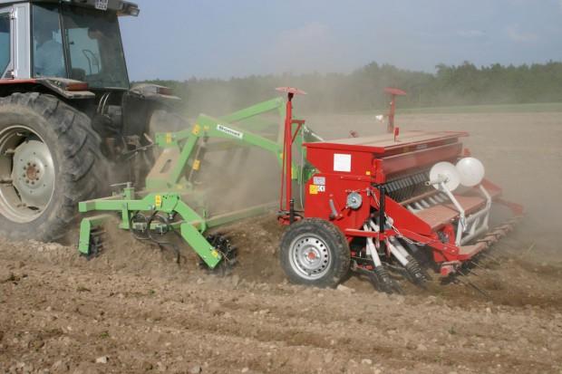 Jak głęboko wymieszać NPK z glebą