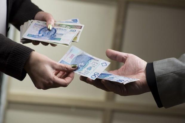 Po embargu pomoc w spłacie kredytów