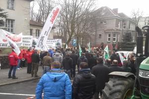 Rolnicy ze Szczecina wznowili akcję protestacyjną