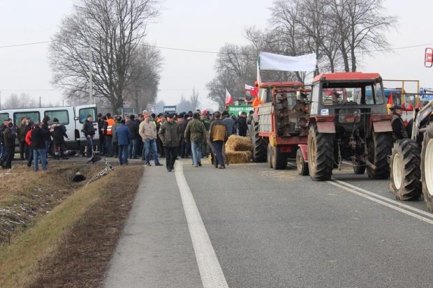 Rolnicy opuścili podwarszawski Zakręt