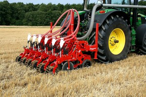 Kultistrip – nowość Kverneland do uprawy pasowej