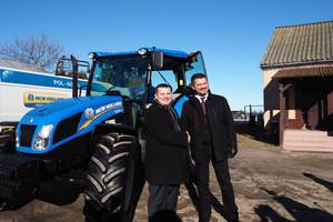 New Holland użyczył ciągnika rolnikowi spod Mławy