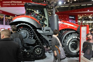 Case IH Magnum 380 CVX z tytułem Machine Of The Year 2015