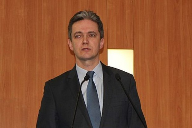 Jarubas: umowa o wolnym handlu między USA a Europą niesie wiele zagrożeń
