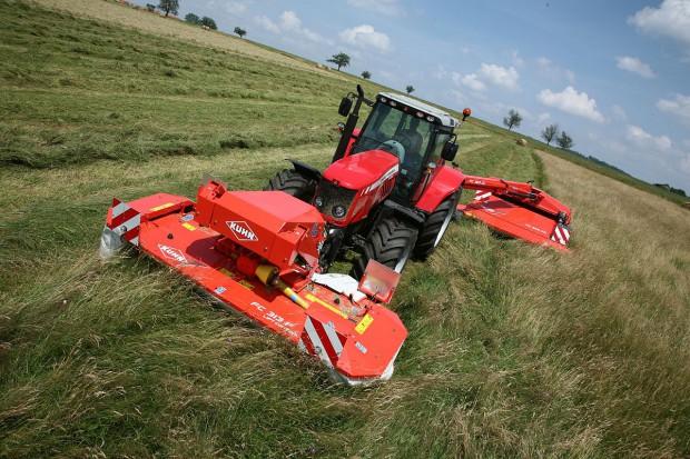 Kuhn Grassmaster – 33 maszyny na jednym polu