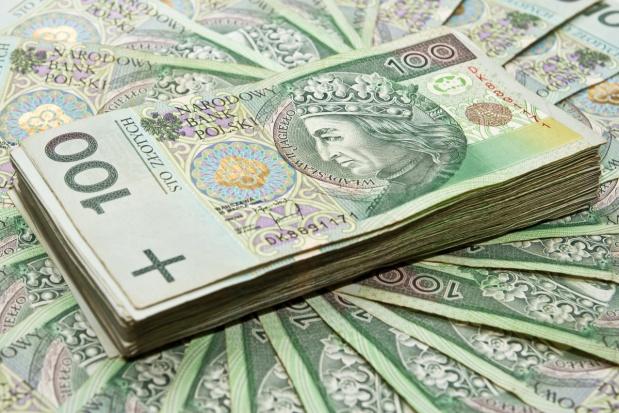 Osiem banków podpisało umowy o udzielaniu rolnikom kredytów preferencyjnych