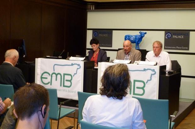EMB: Stop ignorancji i błędnej strategii na rynku mleka