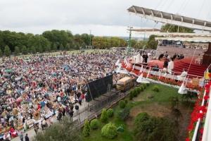 Bp Tomasik: Niech rolnik ratuje to, co zagrożone - niedzielę