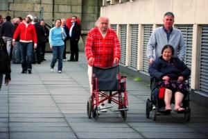 Senat: Rolnik opiekujący się osobą niepełnosprawną będzie mógł zostać w KRUS