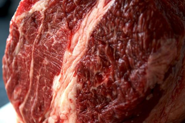 ARR: Ceny żywca wołowego i wieprzowego wzrosną po Nowym Roku