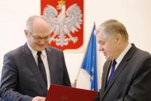 Minister Jurgiel zawiesił działalność ANR i… zmienił jej prezesa