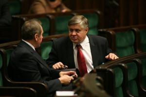 Jurgiel: Analizowane są transakcje na zakup ziemi