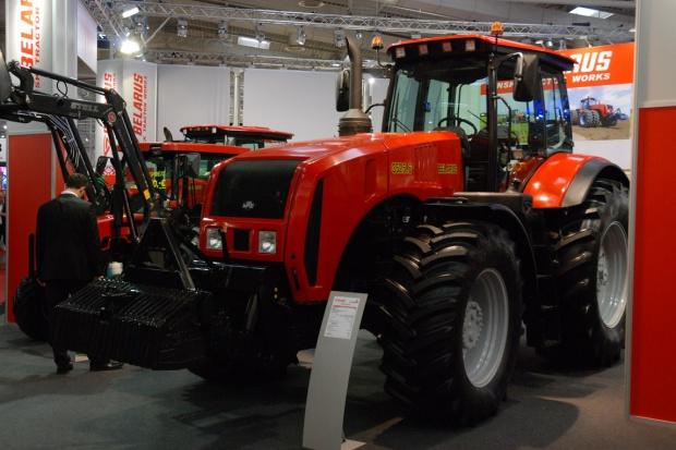 MTZ Belarus 3525.6 - ciągnik o mocy 350 KM do najcięższych zadań