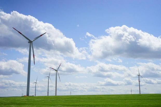 PGE uruchomiła swoją największą farmę wiatrową