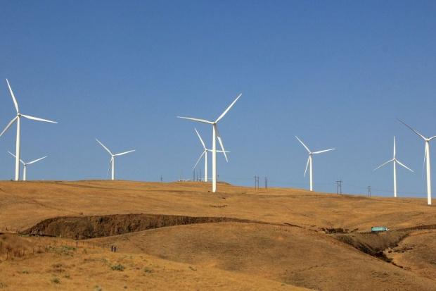 Francja obiecuje Afryce 2 mld euro na odnawialne źródła energii