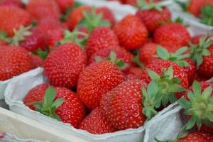 Włochy: Są już pierwsze truskawki i karczochy