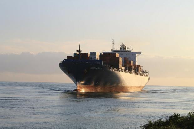 UE: Coraz głośniejsze wezwania do zakończenia lub łagodzenia sankcji