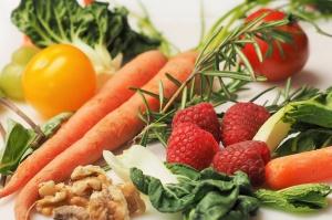 PE: Owoce, warzywa, mleko łatwiej dostępne dla szkół