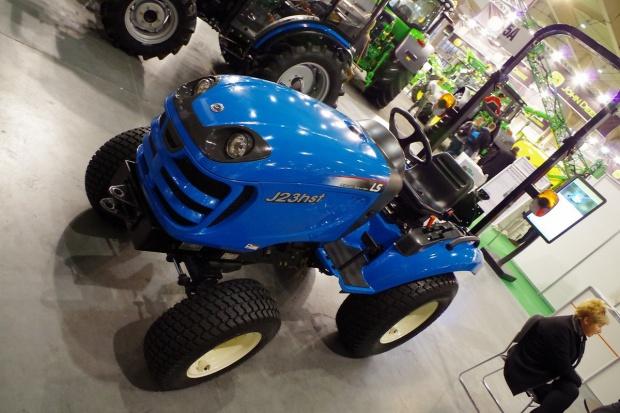 """LS Tractor: """"J23"""" – zgłoś się"""