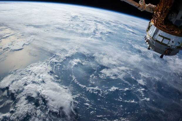 Oszczędzają, obserwując uprawy z kosmosu