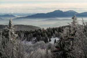 W Beskidach nieco zimy wiosną - w górach spadł śnieg