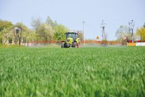 Łączne stosowanie bioregulatorów i herbicydów w zbożach