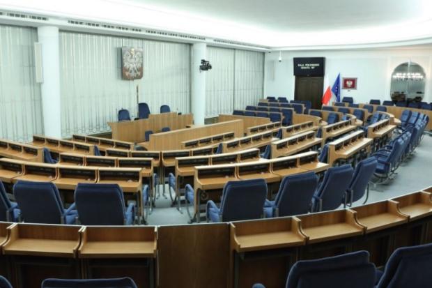 """Senat upamiętnił 35. rocznicę rejestracji NSZZ Rolników Indywidualnych """"Solidarność"""""""
