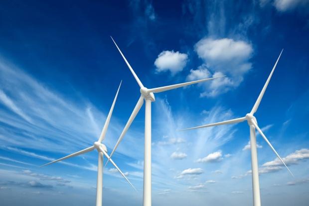Ekspert o tzw. ustawie wiatrakowej: PiS stawia na inne odnawialne źródła energii